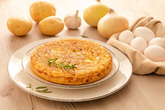 La exitosa tortilla de patata y cebolla de Mercadona ahora es más jugosa y con un sabor más casero
