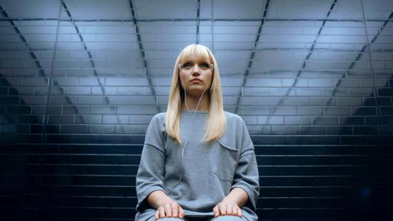 Un fotograma de 'Humans', una de las series de televisión que explora el debate sobre la ética en la inteligencia artificial.