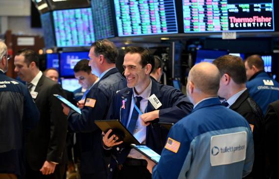 Los bonus de los empleados de Wall Street se dispararon a los 184.000 dólares (156.700 euros) de media en 2020, un 10% más que el año anterior.