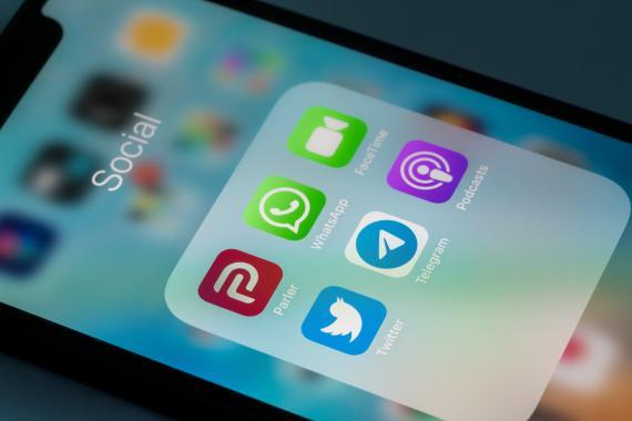 Aplicación de WhatsApp entre muchas otras