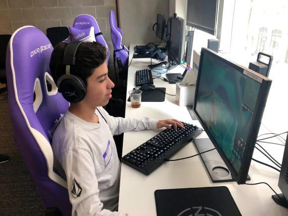 Palma pudo comenzar a jugar profesionalmente a los 14 años, y ha asegurado que juega 10 horas al día a 'Fortnite'.