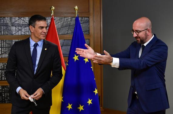 Pedro Sánchez, presidente del Gobierno de España, y Charles Michel, presidente del Consejo Europeo.
