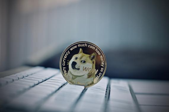 Dogecoin se ha convertido en foco de conversación del cofundador de Ethereum, Charles Hoskinson.