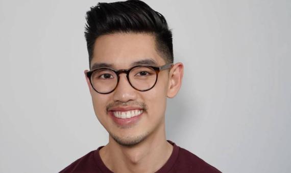 Stephen Chen: de profesor de matemáticas a consultor financiero gracias a la guía de tres libros.