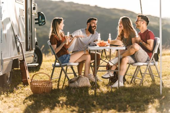 Autocaravana picnic amigos