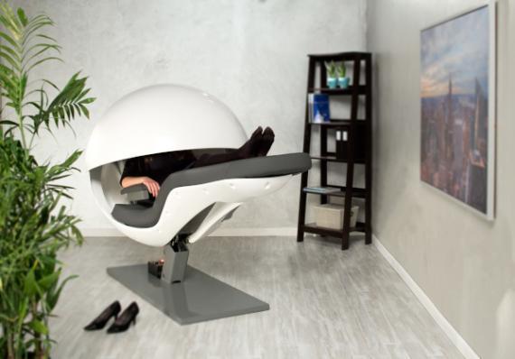 Cápsula futurista modelo MetroNaps EnergyPod (Rest Works)