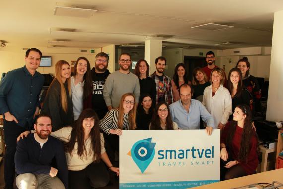 Equipo de la startup española Smartvel