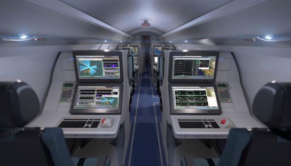 El interior del futuro avión de misión especial ISTAR (Intelligence Surveillance Target Acquisition and Reconnaissance) de Raytheon.