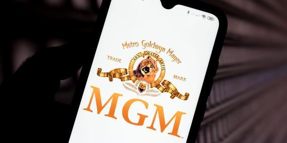 Un logo de MGM