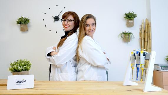 Marta Miguel y Marta Garcés, creadoras de Leggie.