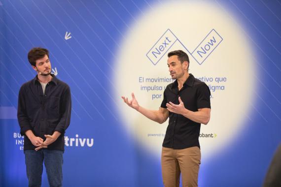 Pablo González, CEO de Trivu, junto a Manuel del Campo, CEO de Axel Springer España.