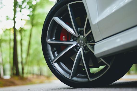 Rueda Audi