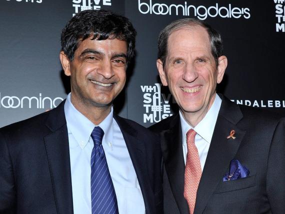 Sandeep Mathrani (izquierda), director ejecutivo de WeWork