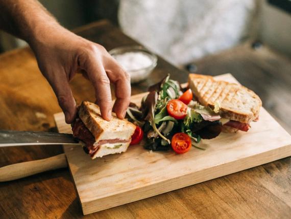 Puedes hacer tus sándwiches más saludables.