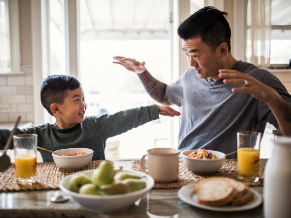 Ser honesto con tus hijos les ayuda a confiar en ti.