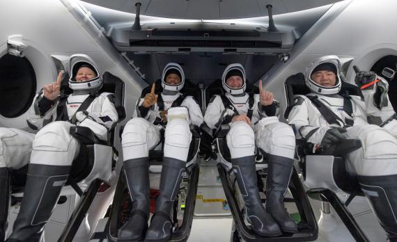 Astronautas de la NASA de la Crew-1.