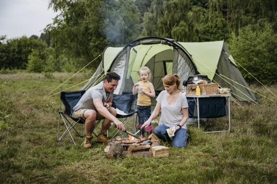 Acampada camping familia