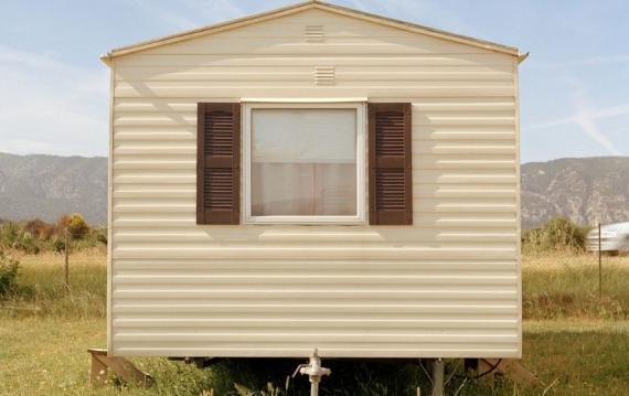 Una casa prefabricada móvil.