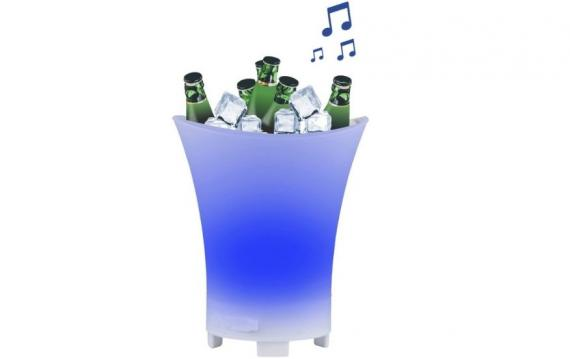 La cubitera con bluetooth y LED de Aldi está disponible en 7 colores.