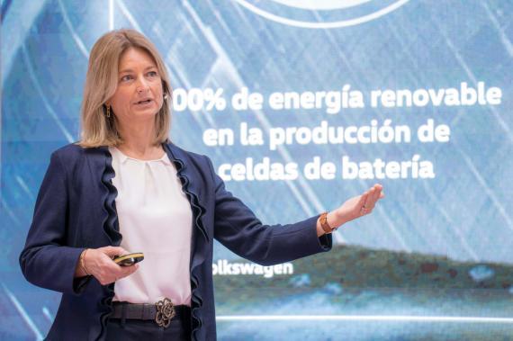 La directora de VW España presenta la estrategia de electromovilidad de la marca
