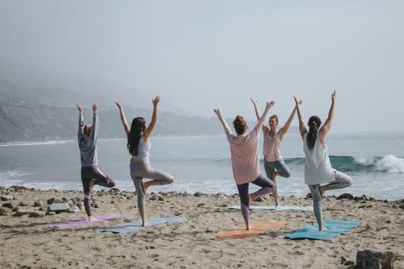 posturas de yoga elasticidad 40 años