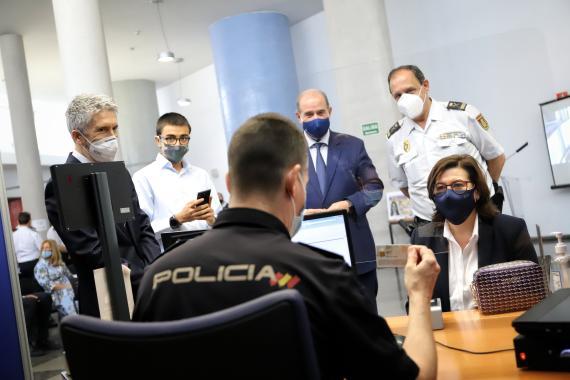Expedición del primer DNI europeo en una comisaría de la Comunidad de Madrid
