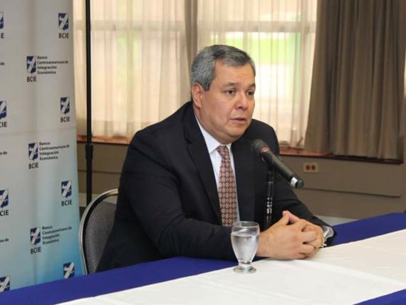 El presidente del Banco Centroamericano de Integración Económica, Dante Mossi. BCIE