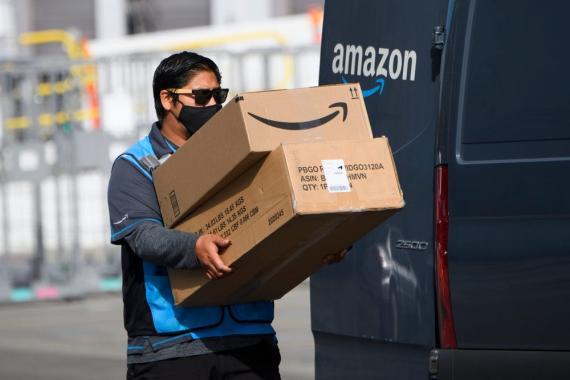 Un repartidor de Amazon