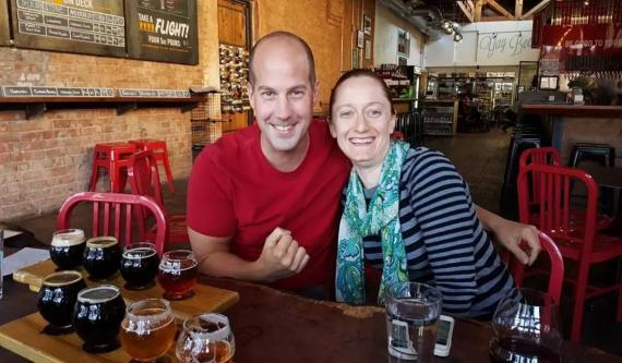 Steve y Courtney Adcock, la pareja que ha logrado la libertad financiera