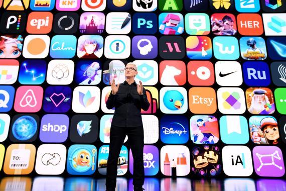 Tim Cook, CEO de Apple, durante la WWDC21.