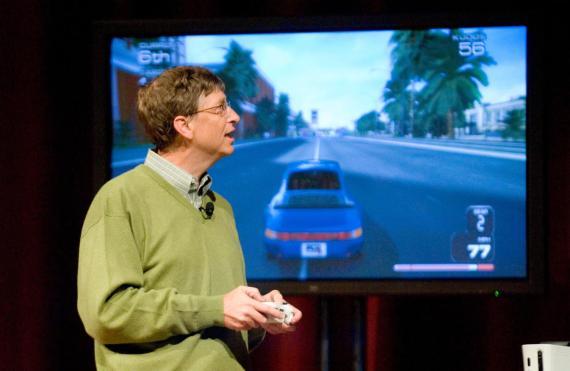 Bill Gates jugando a videojuegos