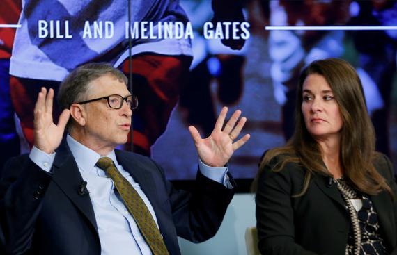Bill y Melinda French Gates durante un debate sobre los objetivos de sostenibilidad para 2030 celebrado en Bruselas en 2015.