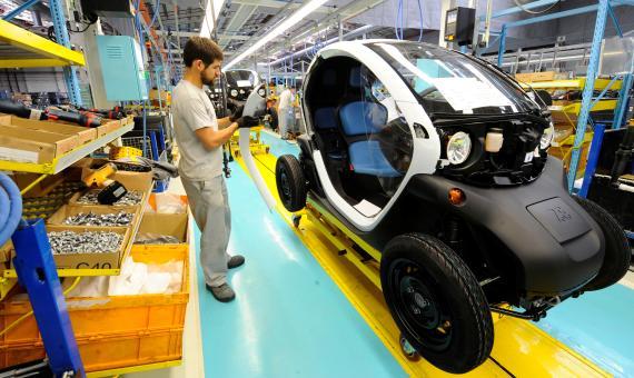 La fabricación de baterías de litio es la razón principal del alto volumen de emisiones de carbono inicial.