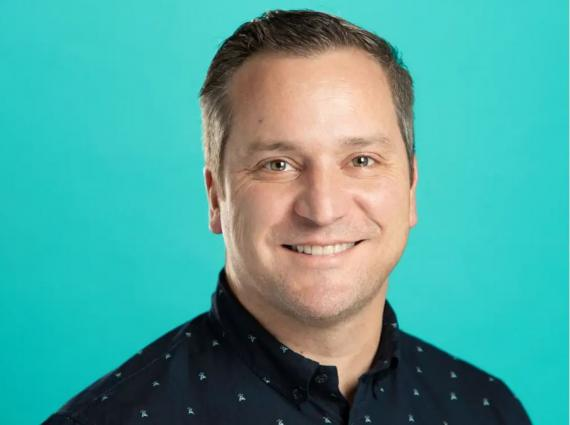 Corey Sheridan, director de asociaciones musicales y operaciones de contenido de TikTok en Estados Unidos.