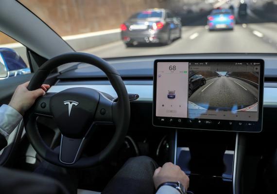 Interior de un Tesla.