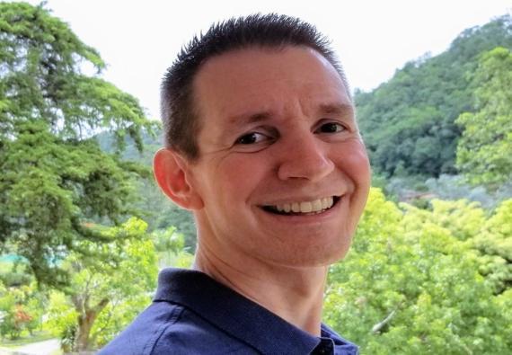 Jim White, ciudadano estadounidense jubilado a los 43 años