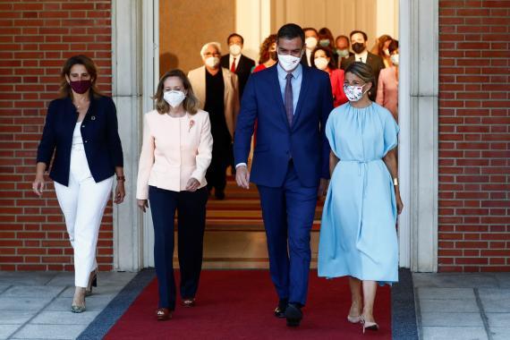 Pedro Sánchez en la toma de posesión de sus nuevos ministros.