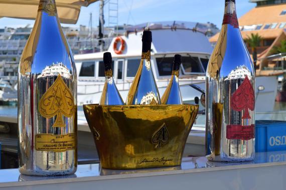 Dos botellas de Armand de Brignac, el champán de Jay-Z y LVMH.