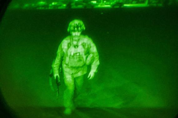 El general de división del ejército estadounidense Chris Donahue, comandante de la 82ª División Aerotransportada, ha sido el último estadounidense en abandonar Kabul.
