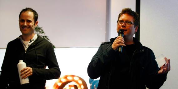 Los cofundadores de Twitter, Evan Williams, a la izquierda, y Biz Stone.