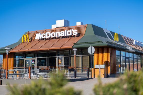 ¿Cuánto cuesta abrir una franquicia de McDonald's? Cuota inicial, inversión total y otros requisitos y restricciones