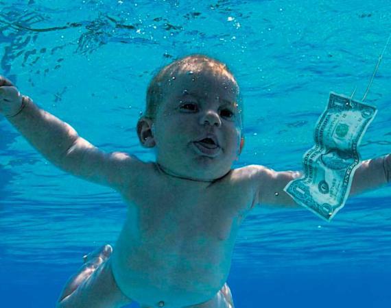 Spencer Elden de bebé en la portada del disco Nevermind de Nirvana