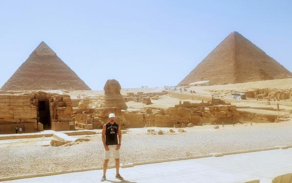 La Gran Esfinge y las Pirámides de Egipto.