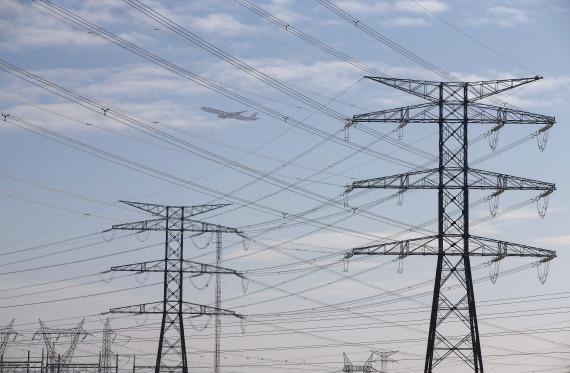 ¿Por qué está subiendo tanto el precio de la luz en agosto? Estas son las claves