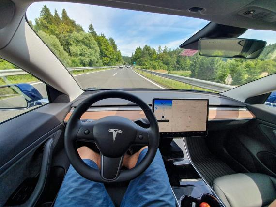 Tesla BI