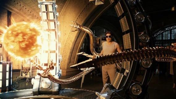 El Doctor Octopus logra la fusión nuclear en la cinta 'Spider-Man 2'.