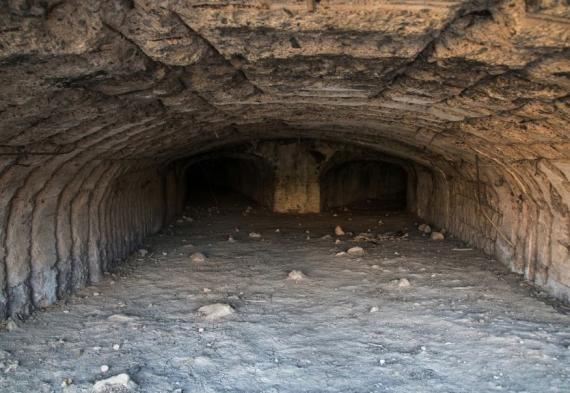 Entrada a una mina de uranio en Mailuu-Suu (Kyrgyzstan).