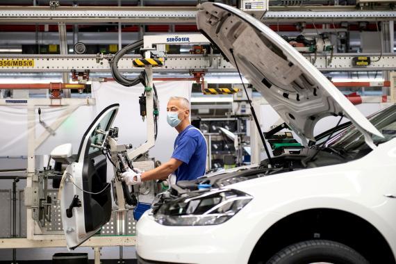Imagen de una fábrica de Volkswagen en Wolfsburgo, Alemania