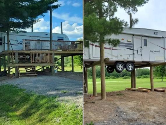 La pareja empezó a construir su curiosa plataforma en julio.