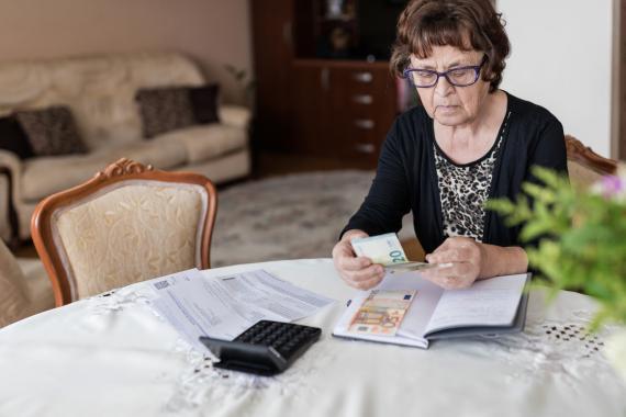 Los pensionistas recibirán 190 euros de media a primeros de 2022 por la inflación